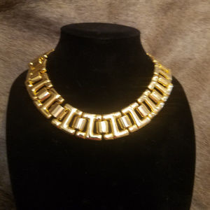 Classic vintage bold statement Necklace